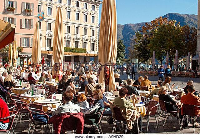 piazza della riforma Lugano.jpg